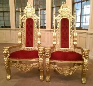 08-23 Throne
